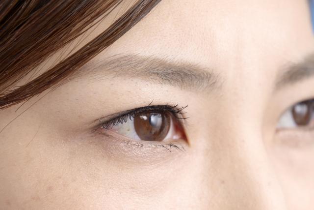 女性の瞳2